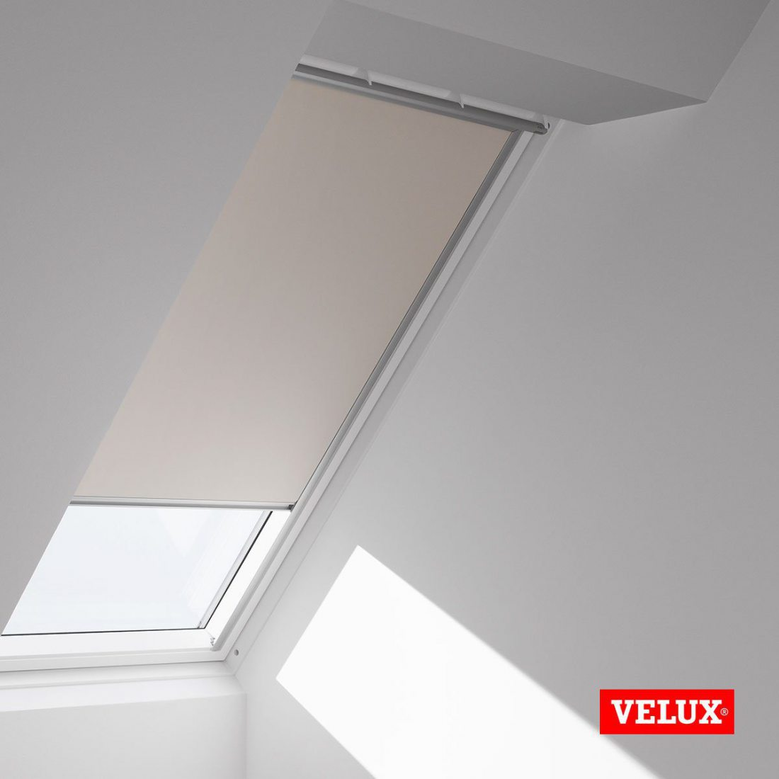 velux original store occultant pour fen tres de toit c02. Black Bedroom Furniture Sets. Home Design Ideas