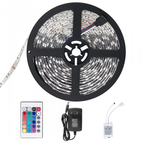 SENDIS Ruban LED Etanche 5M 3528 RGB Multicolore SMD 300 LED Bande Flexible Lumineux Strip Light + Télécommande à infrarouge