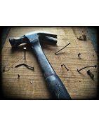 Outils et fournitures et des pièces pour bricoler avec un petit budget